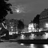 Paris Pictures – Full moon over Paris sky at Saint Michel