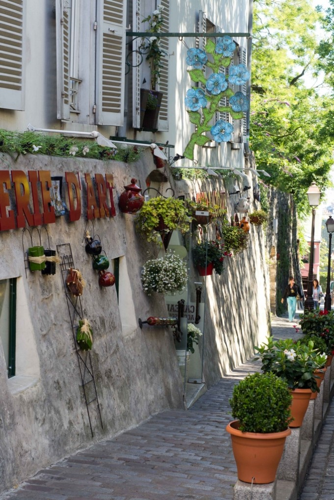 Paris Pictures Montmartre beautiful street