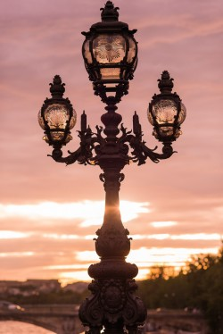 Fancy lamp on Alexander III bridge